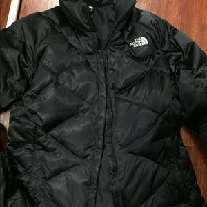 North Face Black Full Zipper Puffer